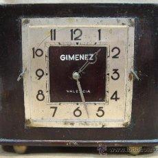 Relojes de carga manual: ANTIGUO RELOJ CUERDA - RELOJERIA CASA GIMENEZ VALENCIA - SOBREMESA MANUAL - MADERA - PRINCIPIOS XX. Lote 39367161