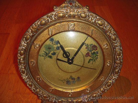 RELOJ DE SOBRE MESA O PARED CON UN ENCANTO ESPECIAL (Relojes - Sobremesa Carga Manual)