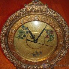 Relojes de carga manual: RELOJ DE SOBRE MESA O PARED CON UN ENCANTO ESPECIAL. Lote 35337279