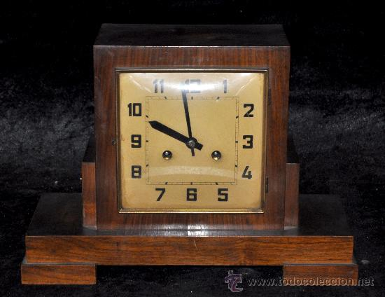 RELOJ DE SOBREMESA DE CARGA MANUAL DE APROXIMADAMENTE AÑOS 40-50 (Relojes - Sobremesa Carga Manual)