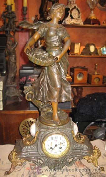 RELOJ SOBREMESA MÁQUINA PARIS SUR LA PLAGE POR FRANCOIS MOREAU M ILE D´OR (Relojes - Sobremesa Carga Manual)