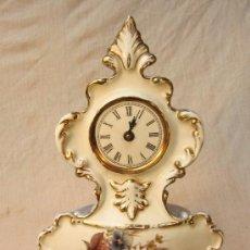 Relojes de carga manual: RELOJ DE SOBREMESA EN PORCELANA. Lote 36530734