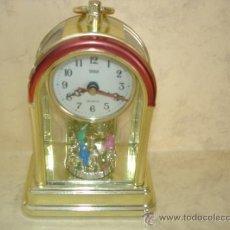 Relojes de carga manual: RELOJ - WSD - EN VITRINA, CON CARRUSEL - PLASTICO - FUNCIONANDO. Lote 36745068