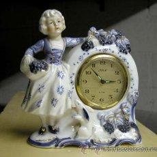 Relojes de carga manual: RELOJ DE CUERDA MANUAL DE SOBREMESA ANTIGUO, MUJER CON CONEJO. Lote 36807849