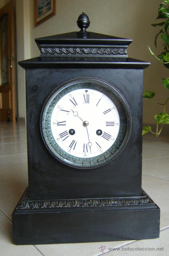 ANTIGUO RELOJ DE SOBREMESA MARMOL Y BRONCE NEGRO (Relojes - Sobremesa Carga Manual)