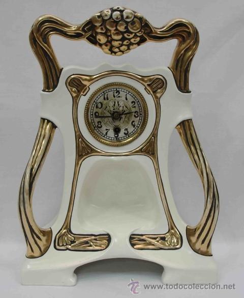 RELOJ SOBREMESA ART NOUVEAU CERAMICA -CERAMIC ART NOUVEAU DESK CLOCK (Relojes - Sobremesa Carga Manual)