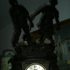 Relojes de carga manual: RELOJ CON FIGURA DE DOS TENISTAS. Lote 39313518
