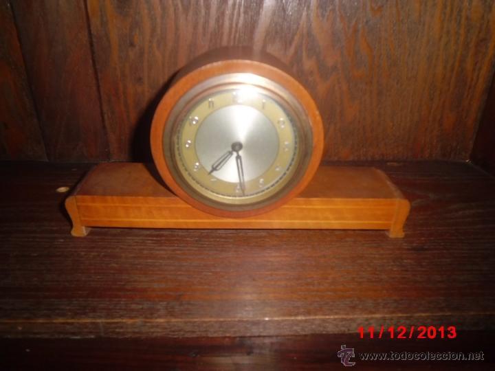 RELOJ ANTIGUO INGLES DE SOBREMESA FUNCIONANDO (Relojes - Sobremesa Carga Manual)
