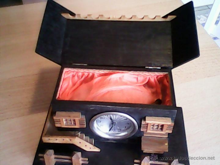 Relojes de carga manual: ANTIGUO RELOJ SOBRE MESA CARGA MANUAL.HECHO A MANO UNA CASITA DE MADERA, MAD.GERMANY.FUNCIONA PERFEC - Foto 4 - 40488474