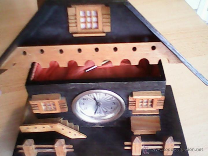 Relojes de carga manual: ANTIGUO RELOJ SOBRE MESA CARGA MANUAL.HECHO A MANO UNA CASITA DE MADERA, MAD.GERMANY.FUNCIONA PERFEC - Foto 6 - 40488474