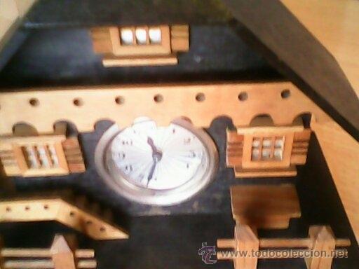 Relojes de carga manual: ANTIGUO RELOJ SOBRE MESA CARGA MANUAL.HECHO A MANO UNA CASITA DE MADERA, MAD.GERMANY.FUNCIONA PERFEC - Foto 10 - 40488474