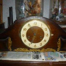Relojes de carga manual: RELOJ LARGO DE SOBREMESA, EN MADERA. Lote 41735871