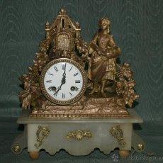 Relojes de carga manual: RELOJ SOBREMESA. ALABASTRO Y CALAMINA. MÁQUINA PARÍS. EN MARCHA. SXIX. FRANCIA.. Lote 42250768
