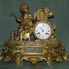 Relojes de carga manual: RELOJ SOBREMESA. ALABASTRO Y CALAMINA. MÁQUINA PARÍS. EN MARCHA. SXIX. FRANCIA.. Lote 42251062
