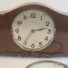 Relojes de carga manual: RELOJ TITAN DE MADERA. Lote 48387938