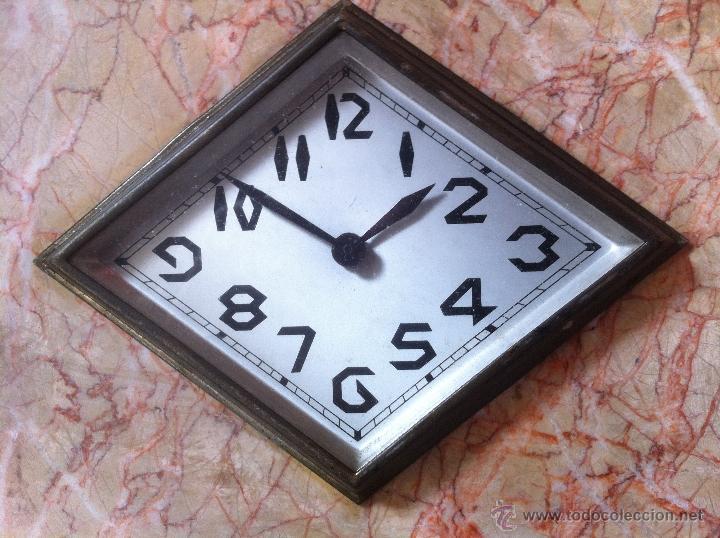 Relojes de carga manual: Precioso y elegante antiguo reloj de mesa estilo art deco años 30 / 40 de marmol - Foto 5 - 43234047