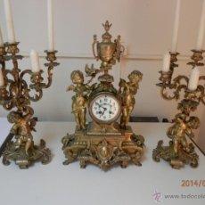 Relojes de carga manual: RELOJ BRONCE CON CANDELABROS. Lote 44979646