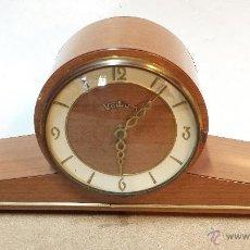 Relojes de carga manual: RELOJ SOBREMESA VOLTIUM. EN FORMICA. MEDIADOS SIGLO XX. EN FUNCIONAMIENTO.. Lote 45416851