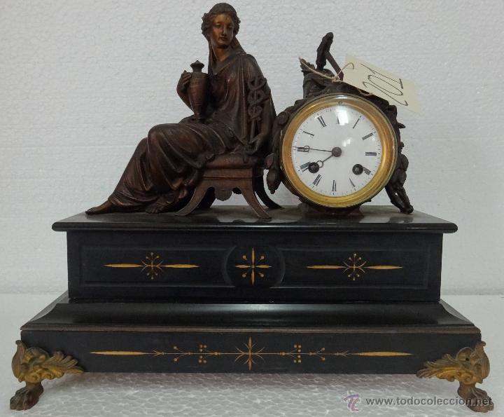 Relojes de carga manual: GUARNICIÓN DE RELOJ Y DOS CANDELABROS CUATRO LUCES SIGLO XIX, 6000-201 - Foto 6 - 43452509