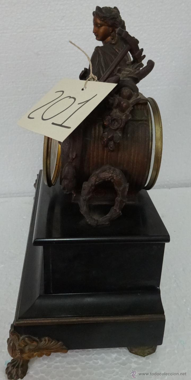 Relojes de carga manual: GUARNICIÓN DE RELOJ Y DOS CANDELABROS CUATRO LUCES SIGLO XIX, 6000-201 - Foto 17 - 43452509
