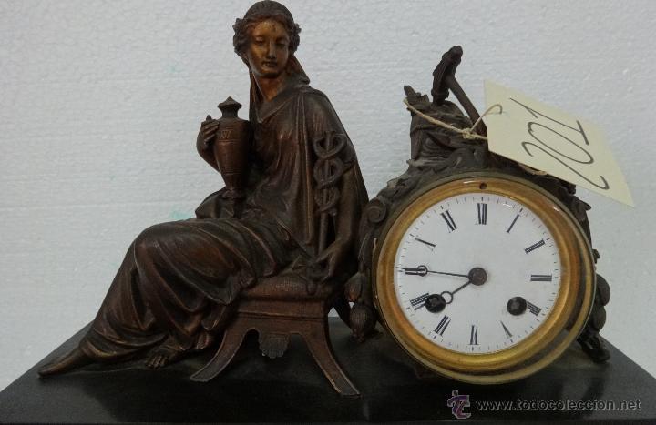 Relojes de carga manual: GUARNICIÓN DE RELOJ Y DOS CANDELABROS CUATRO LUCES SIGLO XIX, 6000-201 - Foto 18 - 43452509