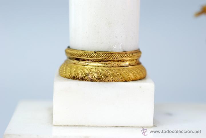 Relojes de carga manual: Reloj Luis XVI mármol blanco y bronce dorado Francia S XVIII Funciona - Foto 5 - 45833521