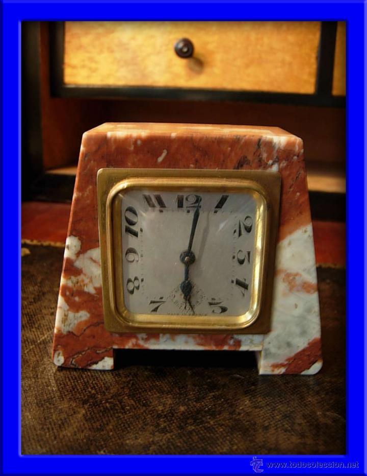 RELOJ PEQUEÑO DE MARMOL ROSA (Relojes - Sobremesa Carga Manual)