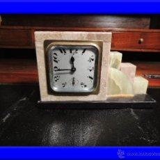Relojes de carga manual: RELOJ ART DECO DE DE MARMOL CON ONIX. Lote 36905456