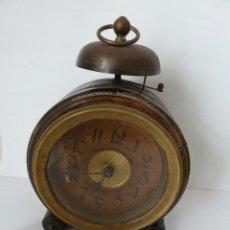 Relojes de carga manual: ANTIGUO RELOJ DESPERTADOR NÓRDICO, CAJA DE MADERA NOBLE, SOBRE EL AÑO 1900. Lote 46584416