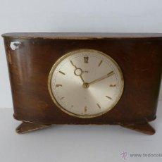 Relojes de carga manual: DOS RELOJES DE SOBREMESA ANTIGUOS MUY DECORATIVOS ART DECO, 8 DÍAS DE CUERDA. Lote 46584868