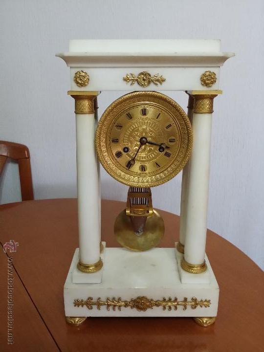 Reloj de p rtico en m rmol blanco y bronce dora comprar for Avvolgere intorno al costo del portico