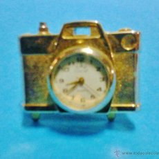 Relojes de carga manual: PIEZA DE COLECCIONISTA - RELOJ SUNSTAR EN MINI CAMARA FOTOGRAFICA - METAL DORADO - FUNCIONA - FOTO. Lote 47965147