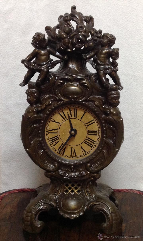 ANTIGÜO RELOJ DE SOBREMESA EN BRONCE (Relojes - Sobremesa Carga Manual)