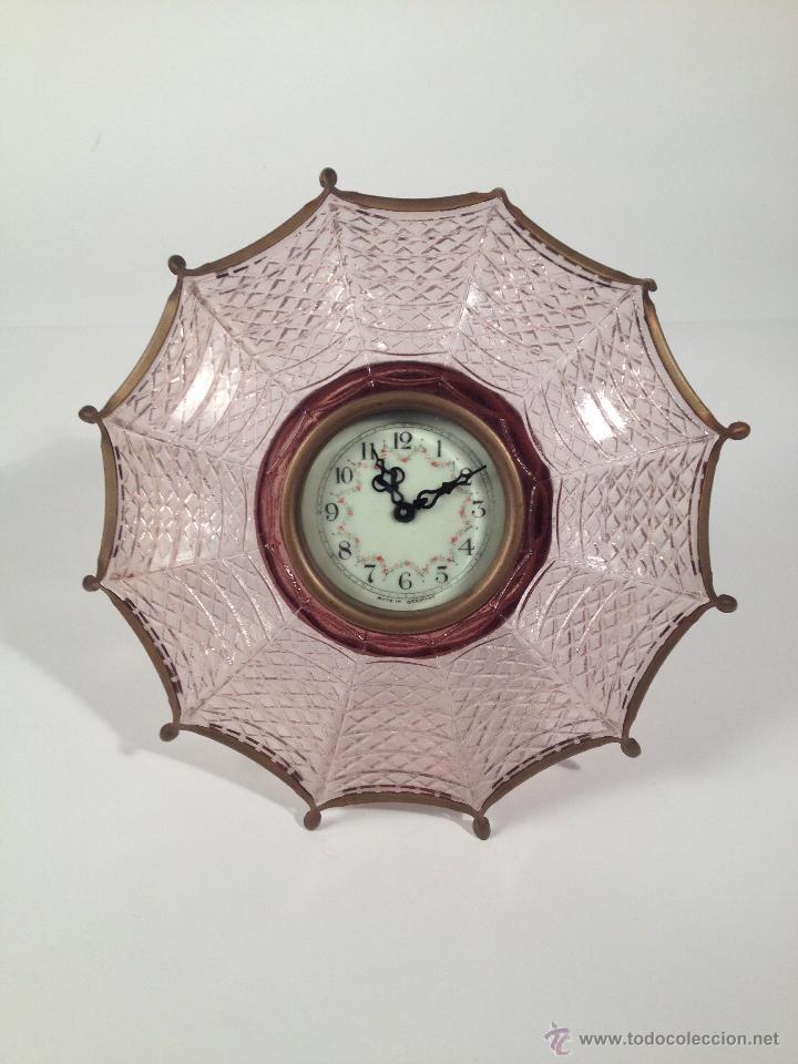 CURIOSO RELOJ PARAGUAS CARGA MANUAL. FUNCIONA! (Relojes - Sobremesa Carga Manual)