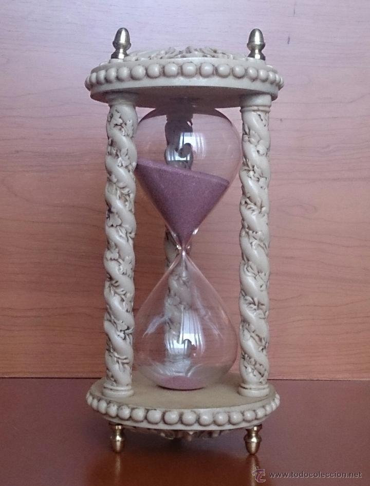 Antiguo Y Bello Reloj De Arena En Símil De Marf Vendido En Venta