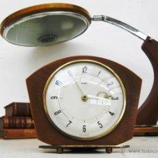 Relojes de carga manual: PRECIOSO RELOJ ART NOUVEAU METAMEC MADERA LATON MODERNISTA FRANCES DECO VINTAGE DECORACION. Lote 49060249