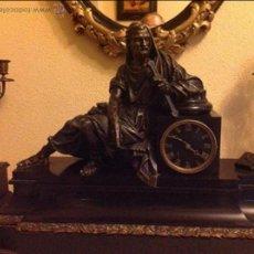 Relojes de carga manual: RELOJ DE BRONCE Y MÁRMOL ESTILO FRANCÉS DE EPOCA. Lote 49143600