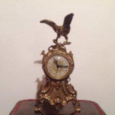 Relojes de carga manual: RELOJ DE SOBREMESA EN BRONCE DORADO. Lote 49474162