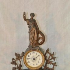 Relojes de carga manual: RELOJ DE SOBREMESA EN CALAMINA. Lote 57823978