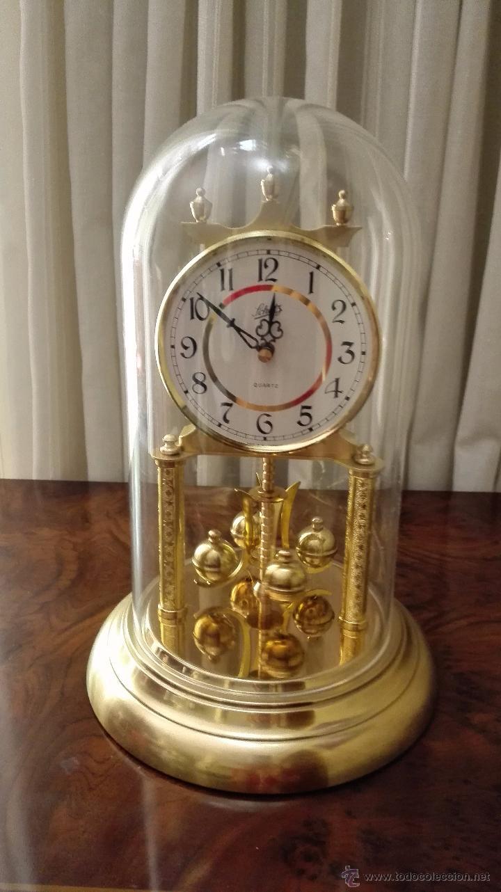 Reloj sobremesa con urna de cristal schatz comprar for Reloj digital de mesa