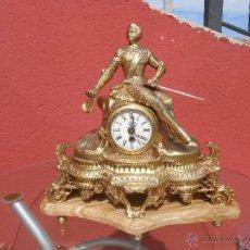 Relojes de carga manual: ANTIGUO RELOJ DE BRONCE Y MÁRMOL.CABALLERO RENACENTISTA FUNCIONANDO. MAQUINARIA MADE IN GERMANY. Lote 51200395
