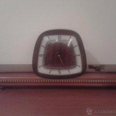 Relojes de carga manual: ANTIGUO RELOJ SOBREMESA SALON MARQUETERIA JUNGANS F. MAUTHE GERMANY CUERDA SONERIA EN GONG. Lote 51252974