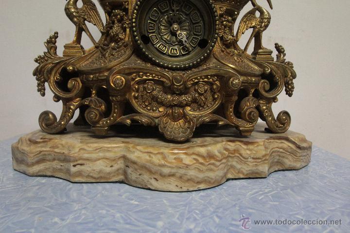 Relojes de carga manual: MAGNIFICO Y GRAN RELOJ DE MAQUINARIA A CUERDA. FUNCIONANDO. MUY PESADO. EN BRONCE Y PEANA DE MARMOL - Foto 2 - 51431389