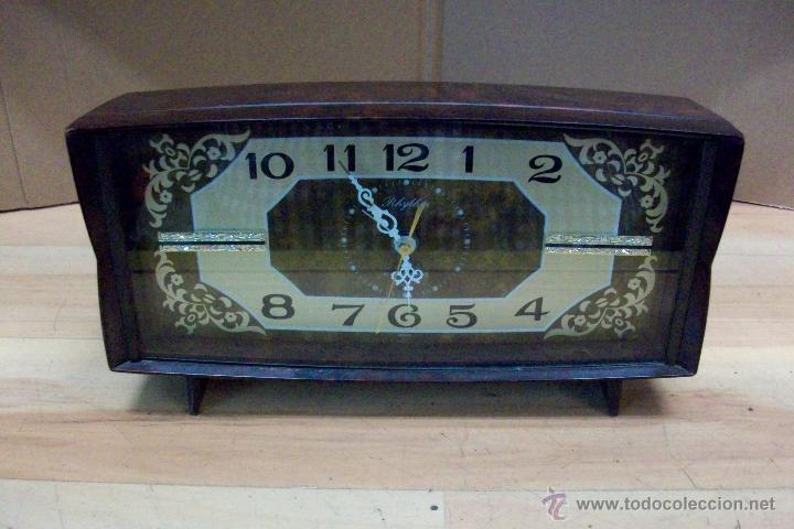 ANTIGUO RELOJ RHYTHM-JAPONES-DE BAQUELITA (Relojes - Sobremesa Carga Manual)