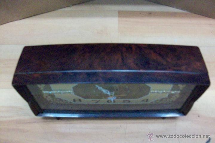 Relojes de carga manual: ANTIGUO RELOJ RHYTHM-JAPONES-DE BAQUELITA - Foto 2 - 51549528