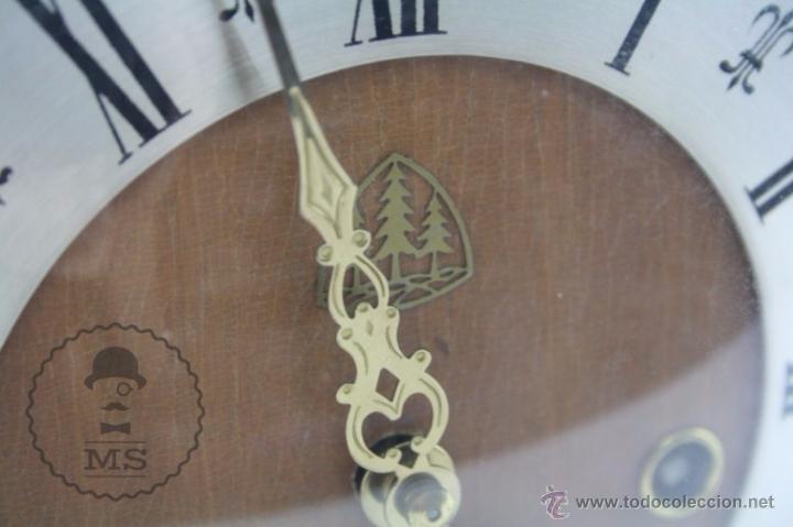 Relojes de carga manual: Antiguo Reloj de Sobremesa Franz Hermle & Sohn / FHS con Caja de Madera - Funcionando / Restauración - Foto 6 - 52726194