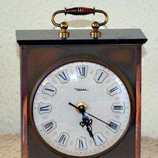Relojes de carga manual: RELOJ DE SOBREMESA DISHL.ALEMAN DE METAL COBRE Y BAQUELITA SIN FUNCIONAR. Lote 52906665
