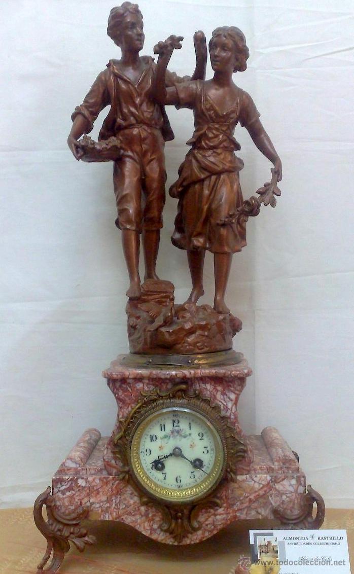PPOS. XX. RELOJ DE SOBREMESA EN MÁRMOL Y CALAMINA. FIRMADO Y TITULADO. (Relojes - Sobremesa Carga Manual)