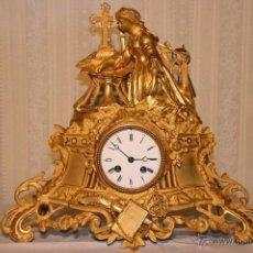 Relojes de carga manual: RELOJ SOBREMESA CARGA MANUAL BRONCE DORADO. Lote 53465206