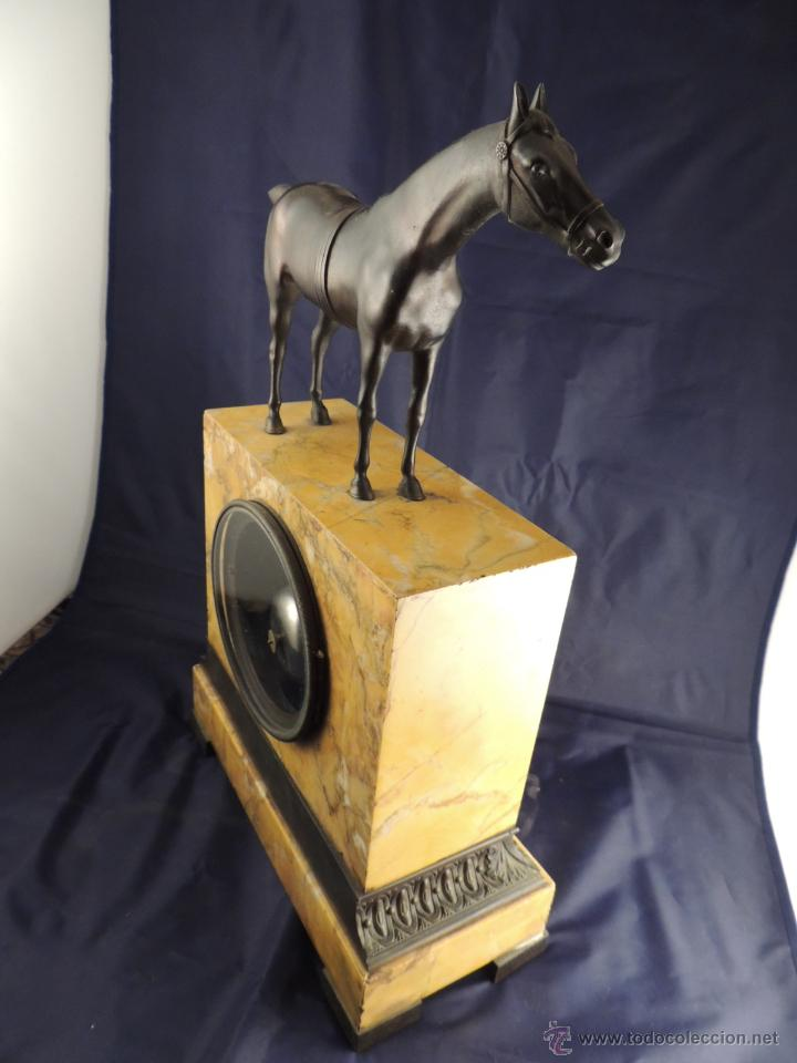 Relojes de carga manual: PRECIOSO RELOJ DE MARMOL SIENA CON BRONCE DE CABALLO EPOCA IMPERIO - Foto 7 - 54066246